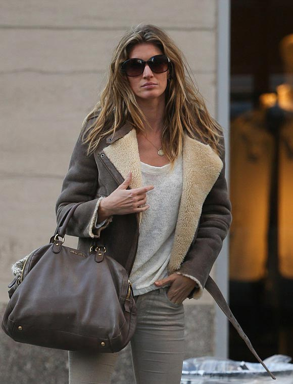 Gisele-Bundchen-outfits-march-2015-04