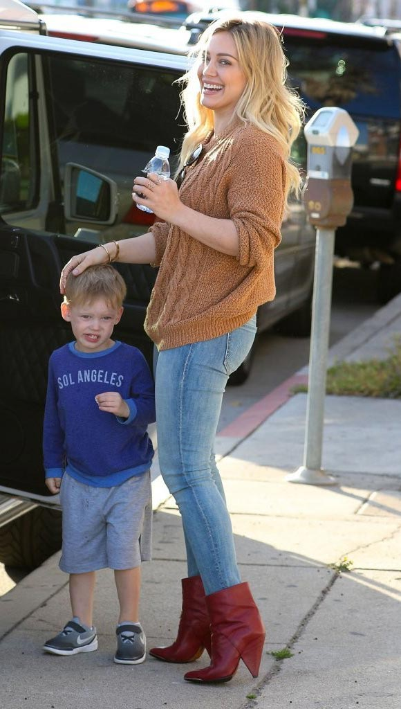 Hilary-Duff-Luca-March-2015-03