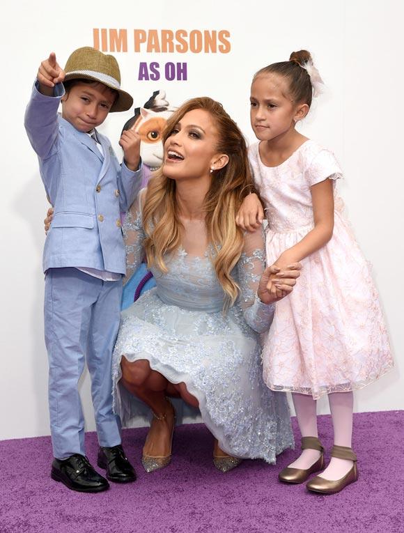 Jennifer-Lopez-HOME-son-daughter-2015-04