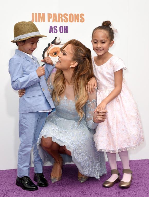 Jennifer-Lopez-HOME-son-daughter-2015-05