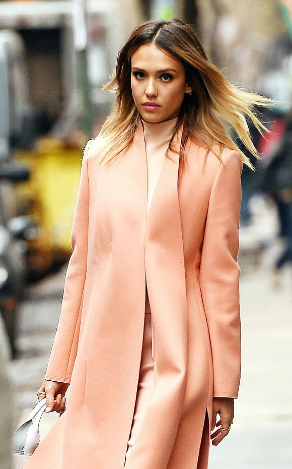 Jessica-Alba-outfits-march-2015-03