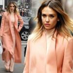 ジェシカ・アルバ、春らしいコーラルピンクコーディネート #私服 #ファッション