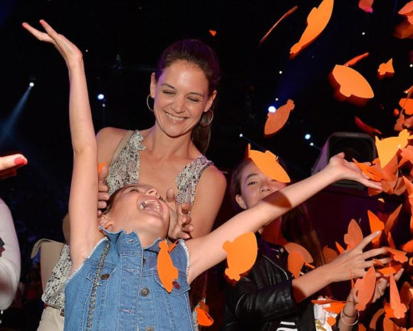 Katie-Holmes-Suri-kids-choice-awards-2015-02