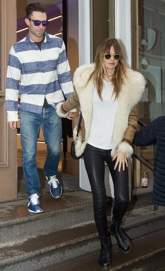 adam-levine-Behati-Prinsloo-march-2015-01