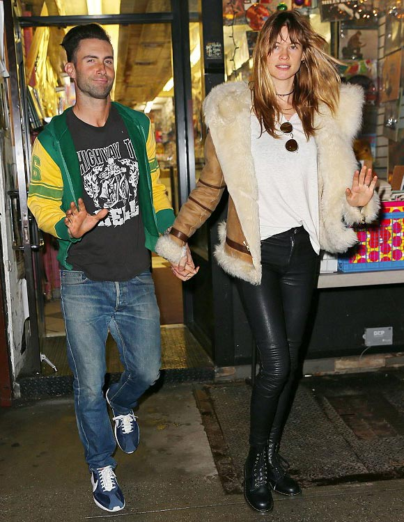 adam-levine-Behati-Prinsloo-march-2015-03
