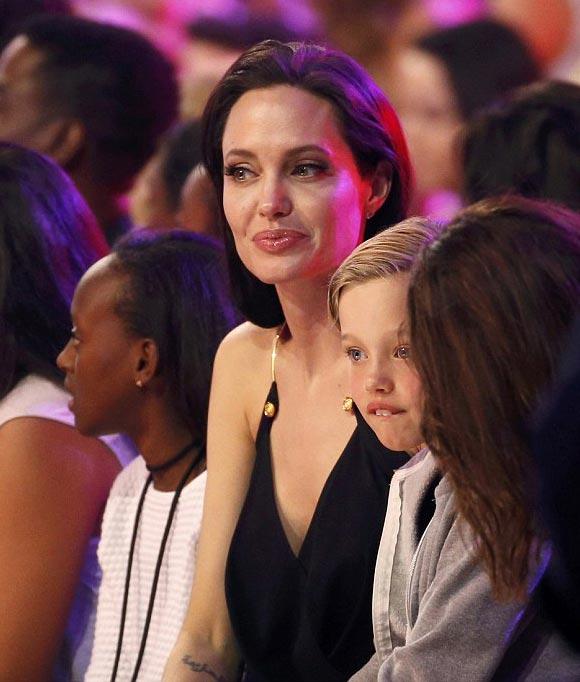 angelina-jolie-shiloh-zahara-kids-choice-awards-2015-02