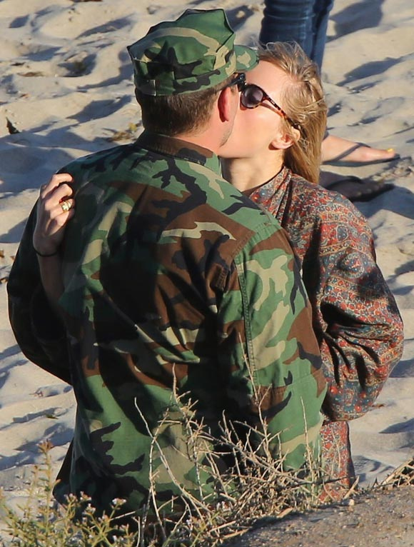 bradley-cooper-suki-waterhouse-Breakup-2015-04