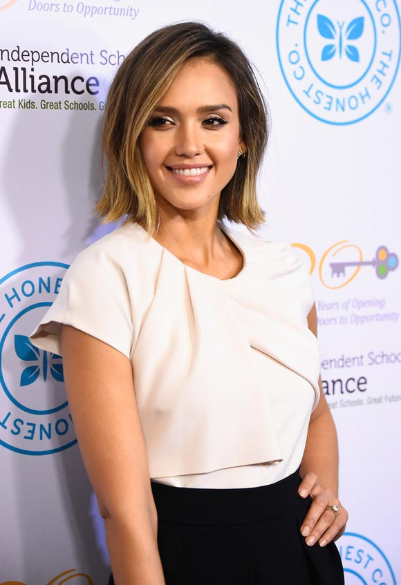 jessica-alba-New Bob-Haircut-march-2015-01