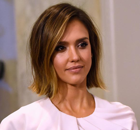 jessica-alba-New Bob-Haircut-march-2015-03