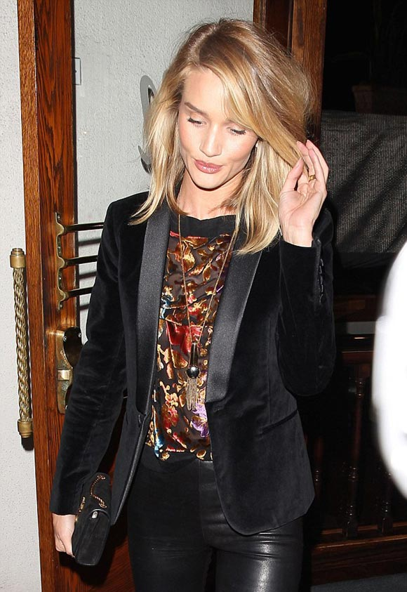 rosie-huntington-whiteley-outfits-april-2015-04