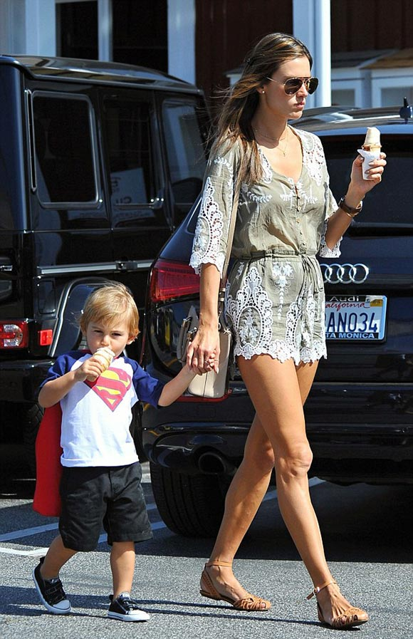 Alessandra-Ambrosio-son-april-2015-01