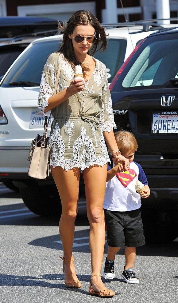 Alessandra-Ambrosio-son-april-2015-03