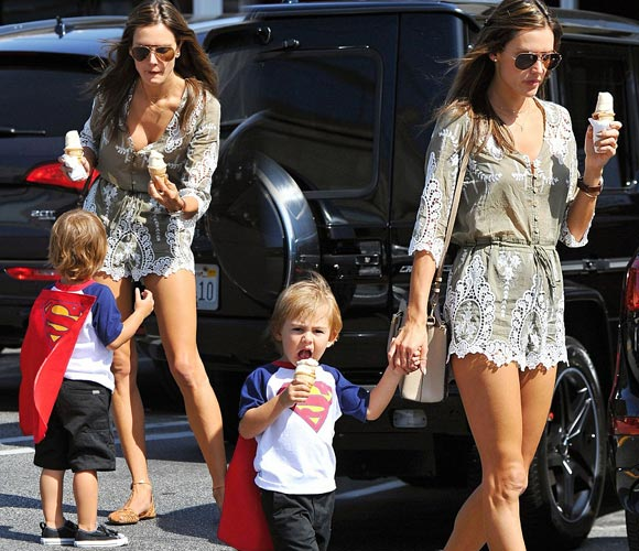 Alessandra-Ambrosio-son-april-2015