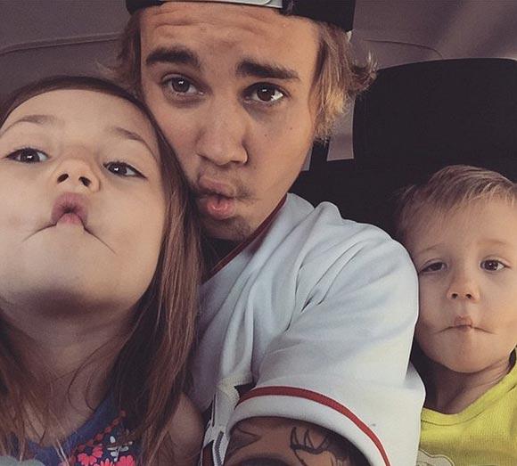 Justin-Bieber-sister-april-2015-06