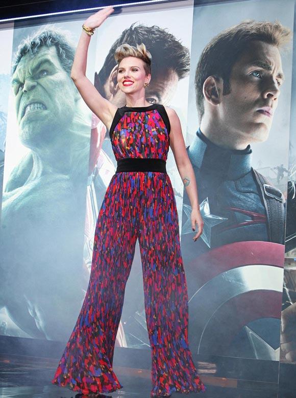 Scarlett-Johansson-Avengers-uk-2015-01
