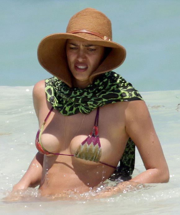 irina-Shayk-bikini-april-2015-04
