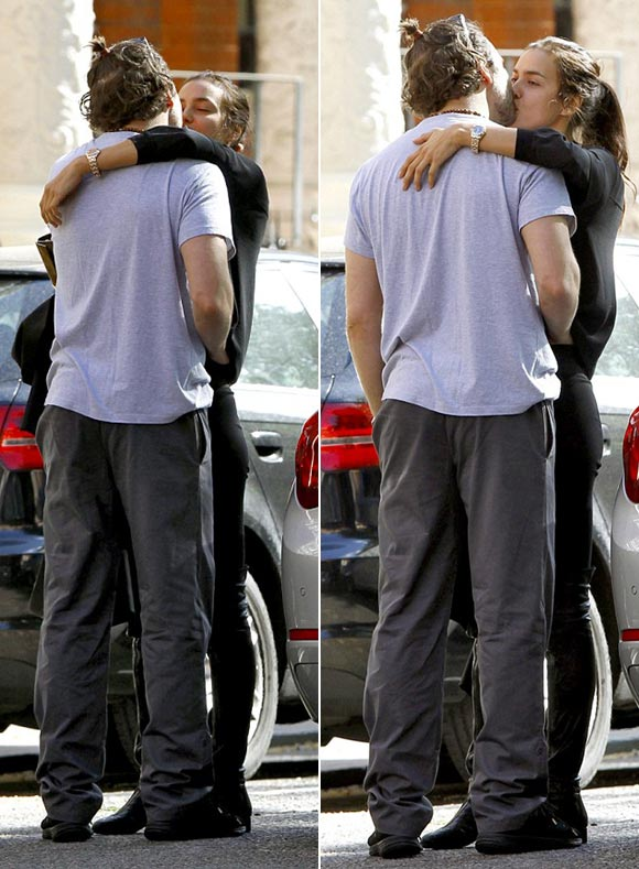 Bradley-Cooper-Irina-Shayk-kiss-may-2015-06
