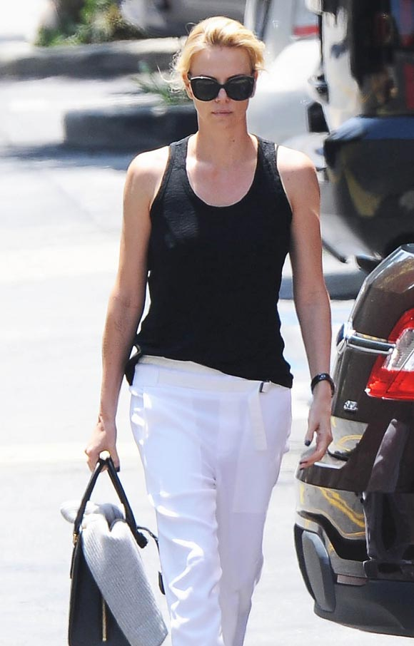 Charlize-Theron-outfit-may-2015-03