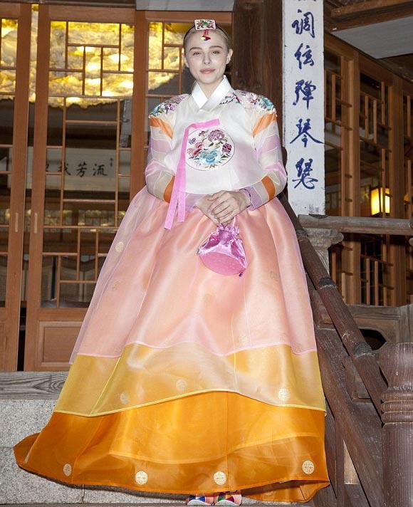 Chloe-Moretz-korea-may-2015-04