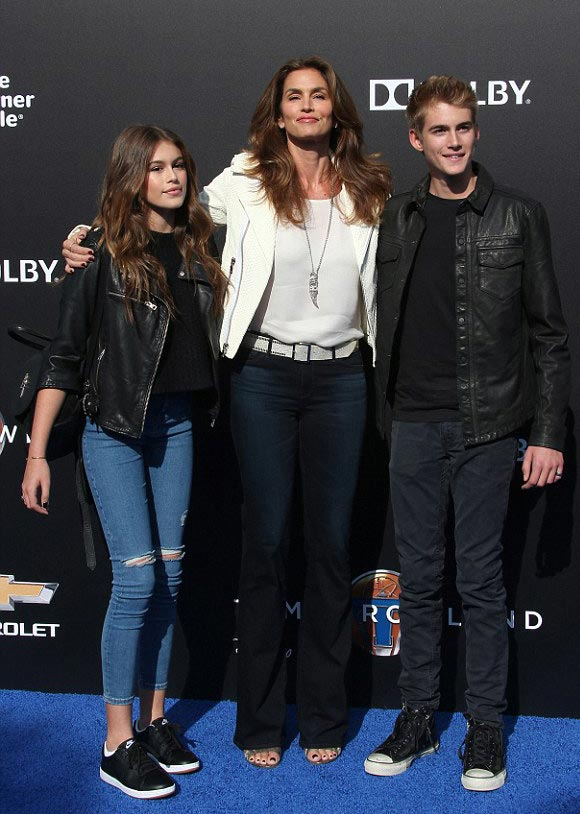 Cindy-Crawford-daughter-son-may-2015