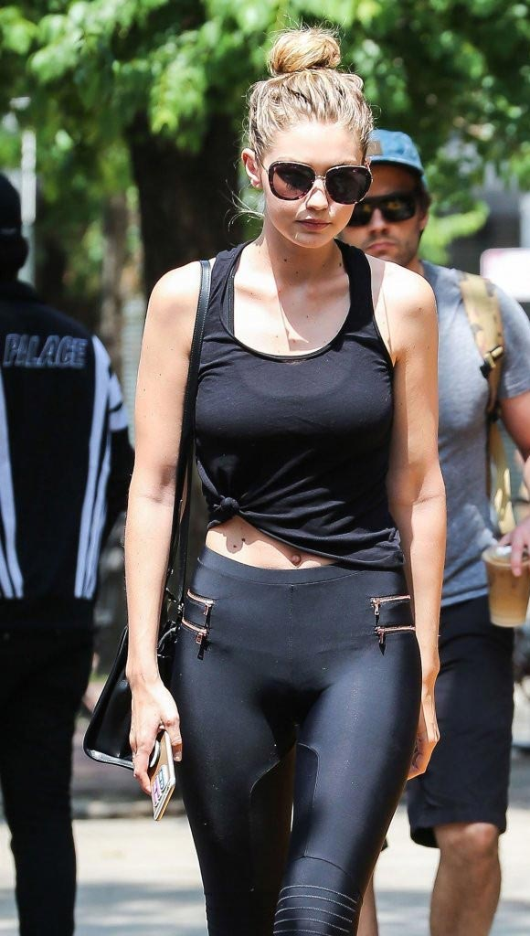 Gigi-Hadid-fashion-outfit-may-2015-03