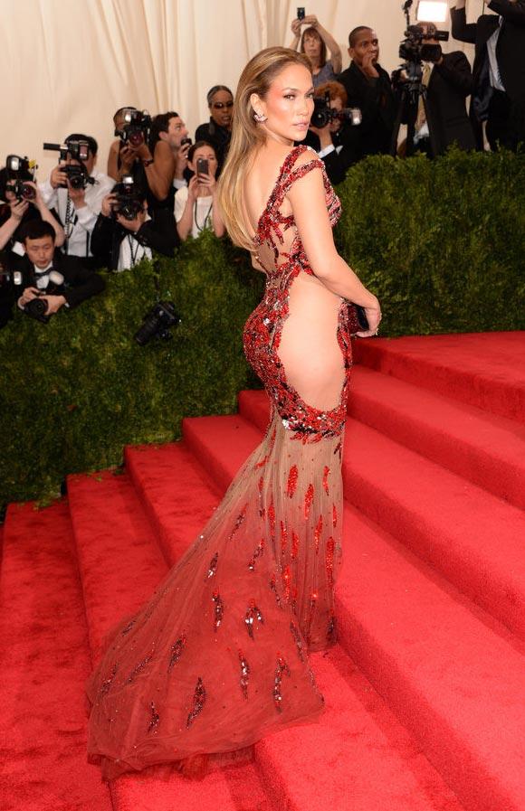 Jennifer-Lopez-Met-Gala-2015-01