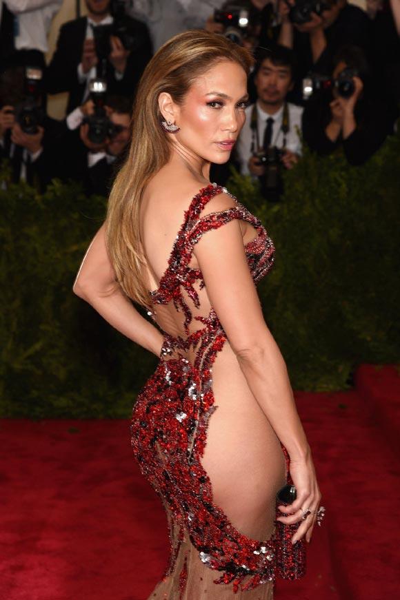 Jennifer-Lopez-Met-Gala-2015-02