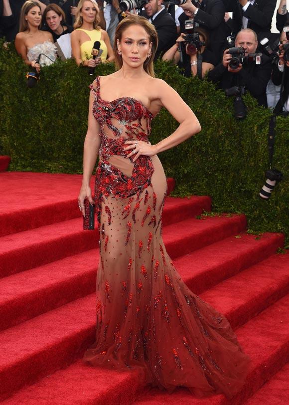 Jennifer-Lopez-Met-Gala-2015
