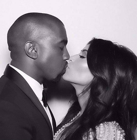 Kim-Kardashian-Kanye-West-kiss-instagram-2015-03