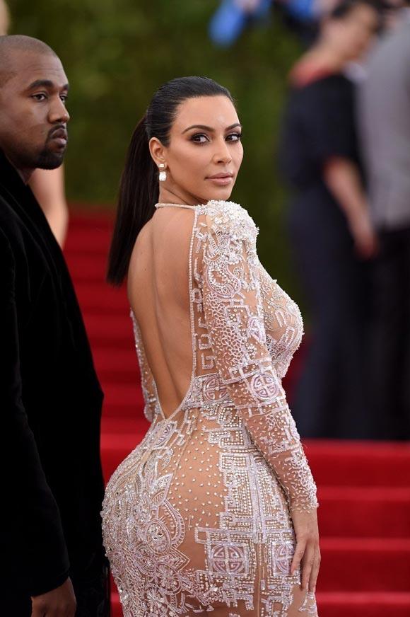 Kim-Kardashian-Met-Gala-2015-02