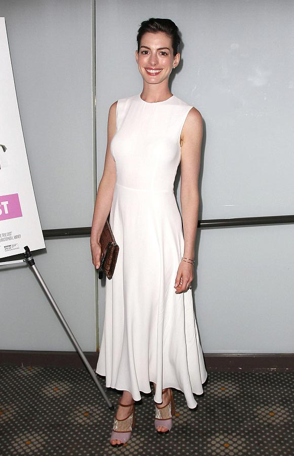 Anne-Hathaway-fashion-june-2015