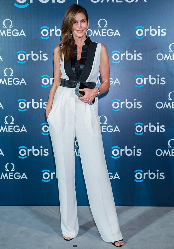 Cindy-Crawford-omega-june-2015