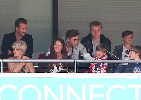 David-Beckham-family-fa-cup-final-2015-02