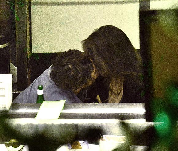 Orlando-Bloom -Luisa-Moraes-kiss-june-2015-06