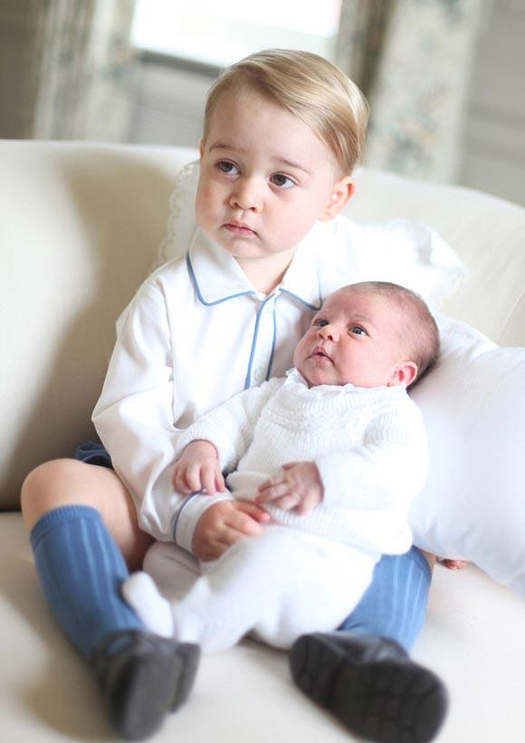 Prince-George-Princess-Charlotte-june-2015-03
