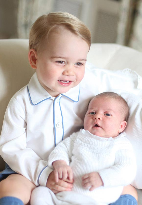 Prince-George-Princess-Charlotte-june-2015-04