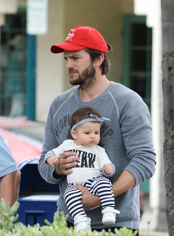 ashton-kutcher-baby-june-2015-03