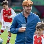 デビッド・ベッカム、三男クルス君のサッカー試合を観戦 #ファッション #帽子