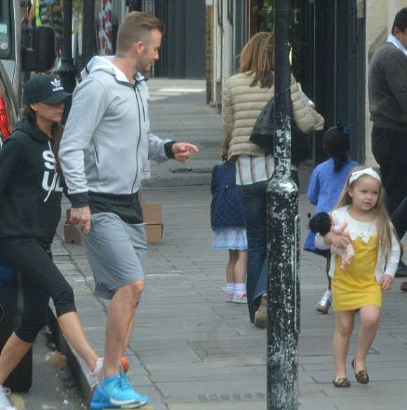 david-victoria-beckham-harper-june-2015-02