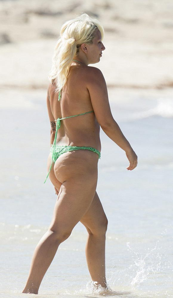 lady-gaga-makeup-free-bikini-june-2015-05
