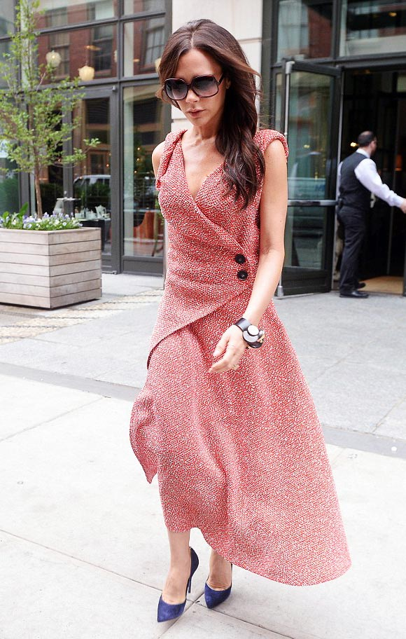 victoria-beckham-pink-fashion-june-2015-04