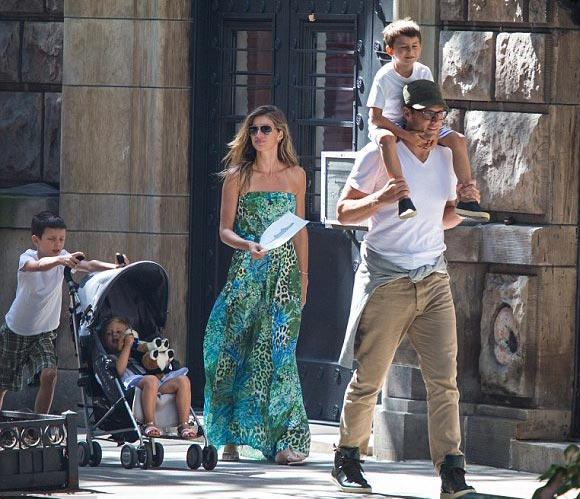 Gisele-Bundchen-Tom-Brady-family-june-2015-01