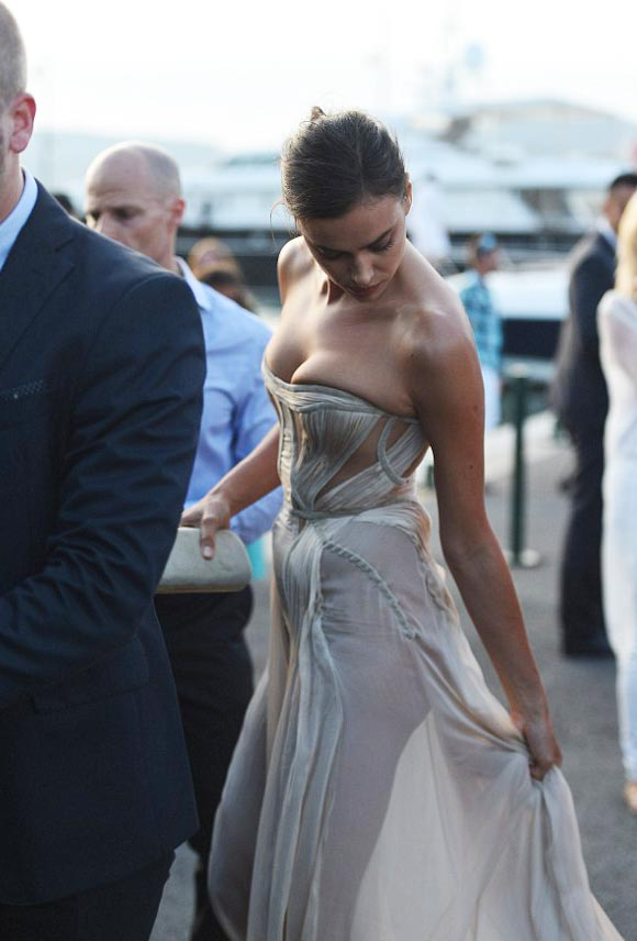 Irina-Shayk-dress-july-2015-04