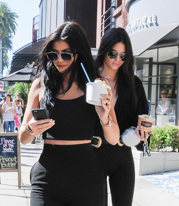 Kylie-Kendall-28-july-2015-03
