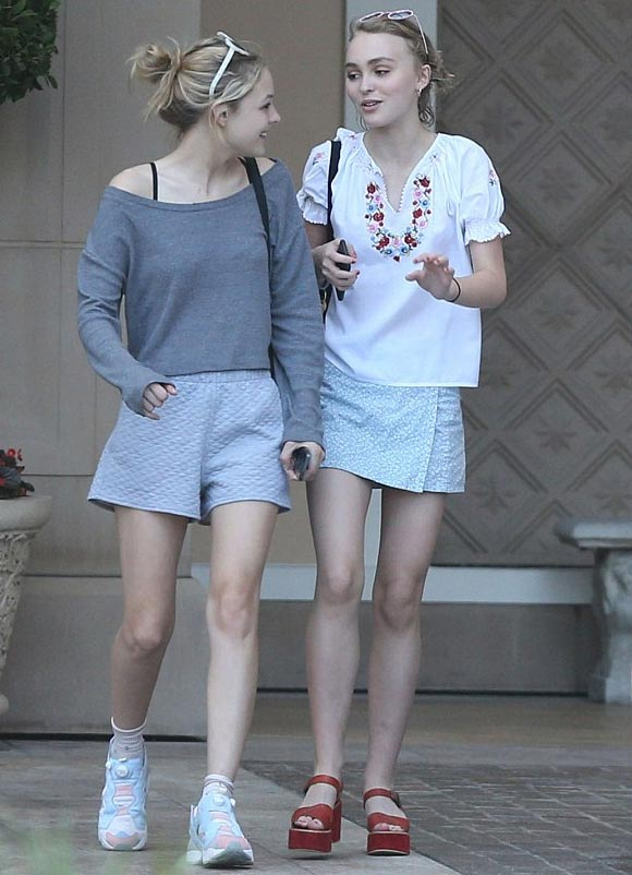 Lily-Rose-Depp-july-2015-03