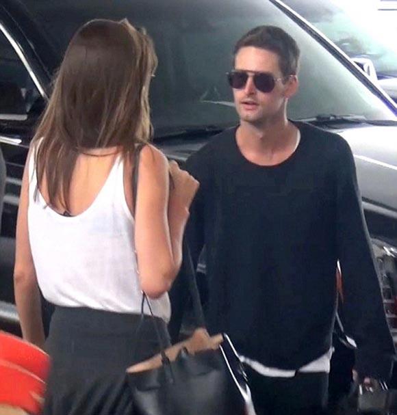 Miranda -Kerr- Evan-Spiegel-gossip-july-2015-06