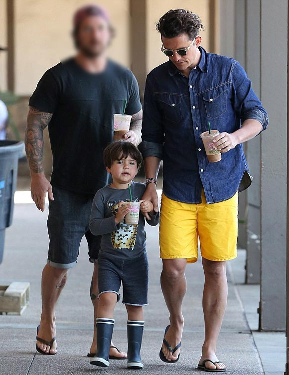 Orlando-Bloom-son-Flynn-july-2015-05