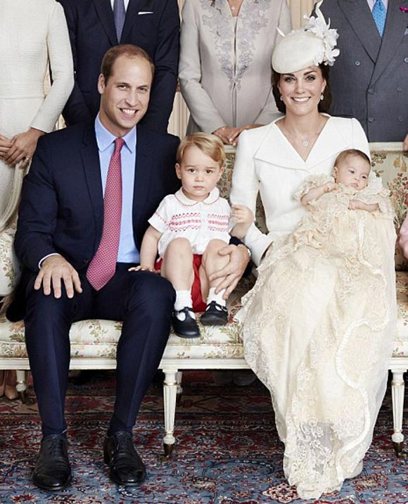 Princess-Charlotte- Christening-Prince- williams-family-Official-Photos-01