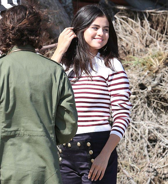 Selena-Gomez-outfit-fashion-july-2015-05