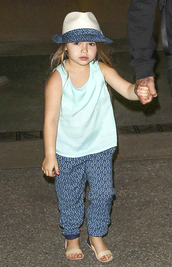 harper-beckham-chole-fashion-july-2015